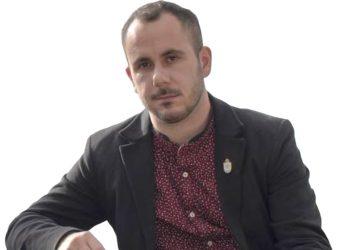 Carlos Ladra, alcalde de Cabanas.