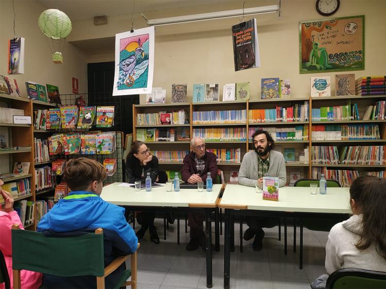 Encontro co escritor Paco Martín na Biblioteca Municipal de Pontedeume.