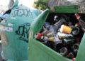 17/08/2012. 16 agosto 2012. Vilagarcía. Operativo de limpieza tras la celebración de la Festa da Auga durante las fiestas de San Roque.