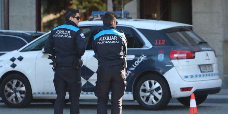 Imagen de archivo de dos agentes de la Policía Local
