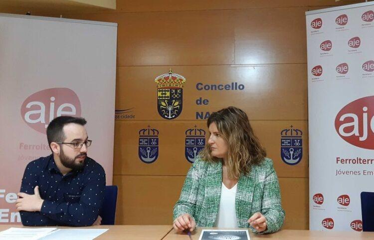 Foto de arquivo de Luis González, presidente de AJE e Marián Ferreiro, alcaldesa de Narón