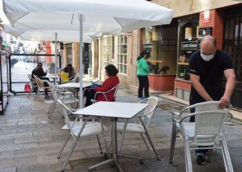 La hostelería podrá reabrir las terrazas en el área sanitaria de Ferrol hasta las 18.00 horas y con un 50% del aforo