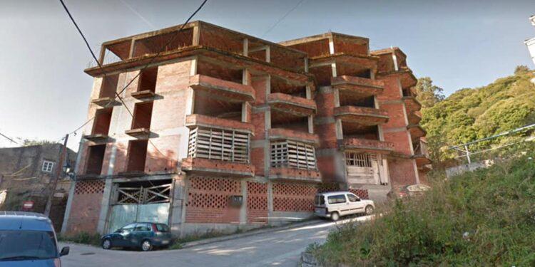 La obra lleva más de 40 años con la estructura de ladrillo a la vista