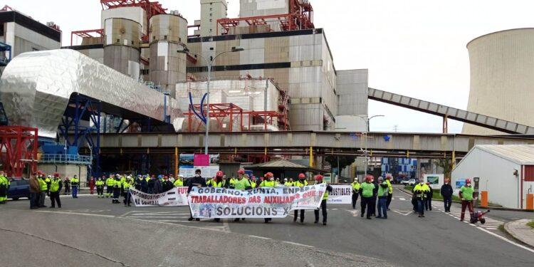 Protesta, el pasado mes de noviembre, por el cierre de la central térmica de As Pontes