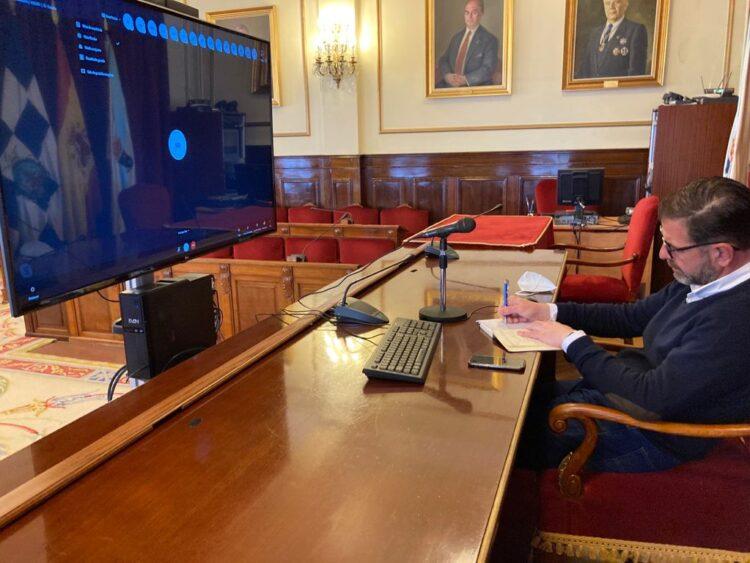 El alcalde socialista de Ferrol, Ángel Mato, fue el impulsor de esta reunión de trabajo con concellos y agentes sociales