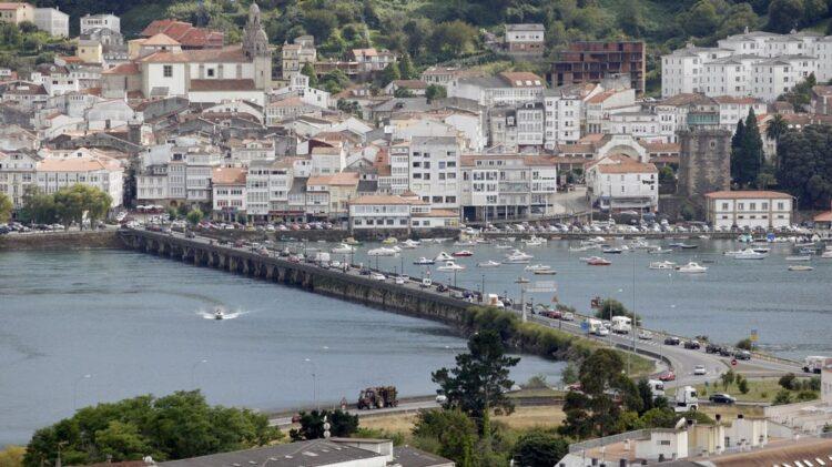 El conocido como Ponte de Pedra separa ambos municipios