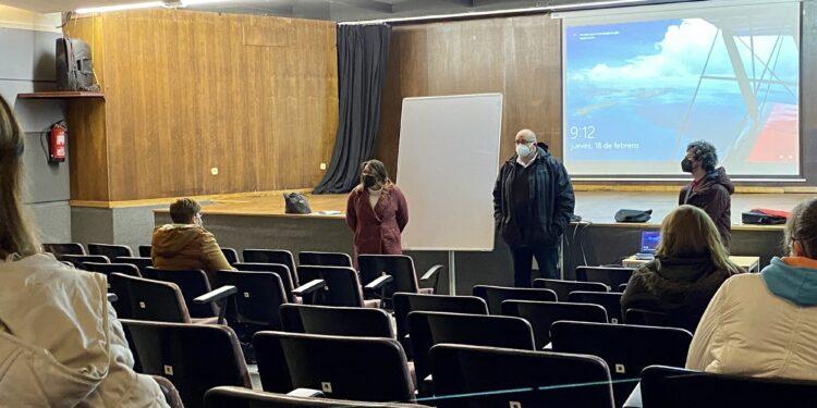 El alcalde de Valdoviño, Alberto González, inauguró esta mañana los talleres municipales