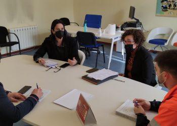 Las diferentes entidades y concejalías implicadas analizando el proyecto
