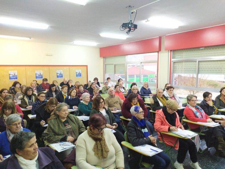 El pasado año más de medio centenar de alumnos sénior acudieron al programa