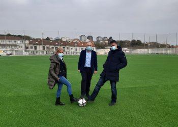 Esther Pedrosa, Sánchez Bugallo y Javier Fernández en el nuevo campo