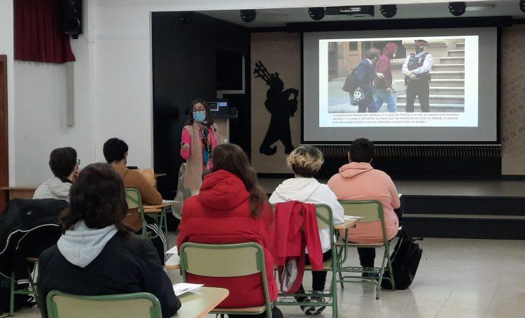 Uno de los talleres organizados en el IES Ortigueira