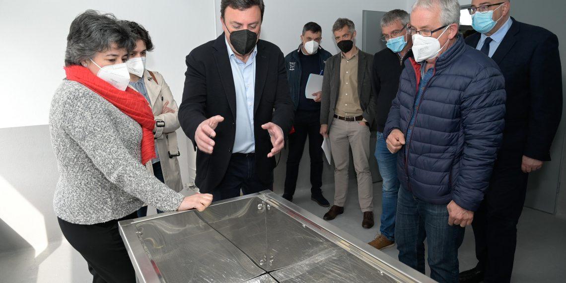 El presidente de la Diputación y los responsables municipales visitaron hoy la instalación en Moeche
