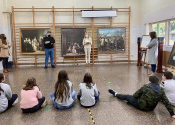 La primera exposición se realizó en el colegio de A Maciñeira