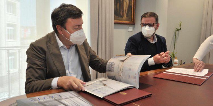 González Formoso y Mato firmaron este nuevo convenio de colaboración