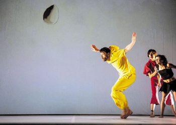 """El espectáculo de danza """"MiraMiró"""" transforma en movimiento los lienzos del reconocido pintor catalán"""