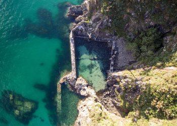 La cetaria de Punta Sarridal en Cedeira es uno de los puntos documentados | DAVID GARCÍA LOUZAO