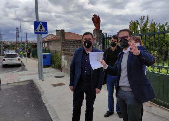 El alcalde Ángel Mato y el presidente provincial, Valentín González, visitaron recientemente las obras de Serantes