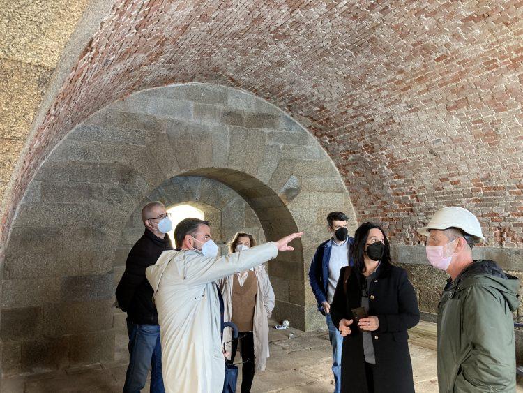 Los responsables municipales visitaron las obras que se acometen en la fortaleza