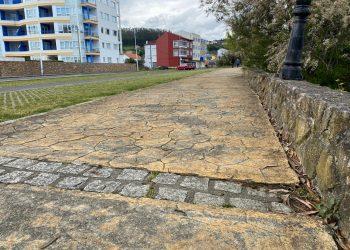 El pavimento sufre actualmente un importante desgaste
