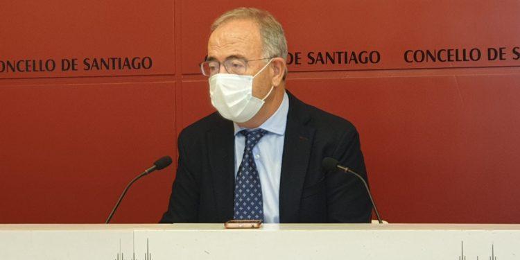 El alcalde de Santiago, Xosé Sánchez Bugallo, comparece en rueda de prensa | AYUNTAMIENTO DE SANTIAGO