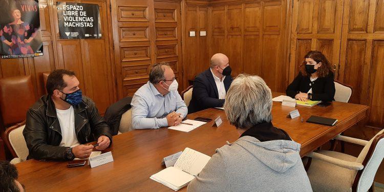 La subdelegada del Gobierno en A Coruña mantuvo un encuentro con los representantes de las trabajadoras y los trabajadores de Endesa en As Pontes