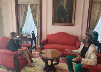 Lara Méndez Con Cheché Real, presidente de la asociación de hosteleros en una imagen de archivo. | CONCELO DE LUGO