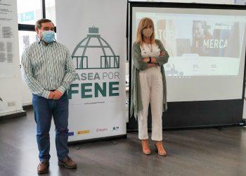 El alcalde de Fene, Juventino Trigo, y la edil Ana Basoa presentan la iniciativa | CONCELLO DE FENE