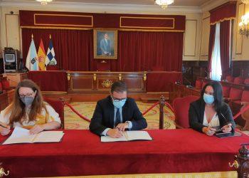 El alcalde de Ferrol, Ángel Mato, firma un convenio de colaboración con ASCM   CONCELLO DE FERROL