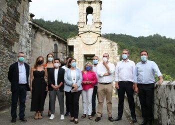 Los alcaldes de As Pontes, Pontedeume y Cabanas, además de la subdelegada del Gobierno y otros representantes locales acompañaron al Secretario de Estado de Turismo en un recorrido por las Fragas