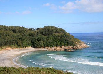 Playa de Fornos en Cariño. | TURISMO.GAL