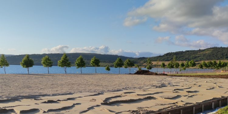 Pista multideportiva en el lago de As Pontes | CONCELLO DE AS PONTES