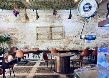 El interior del Benboa está decorado con detalles que evocan el mar y los ambientes portuarios