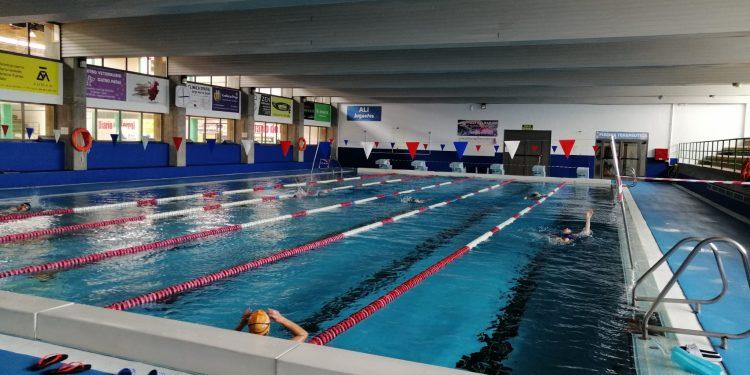 Imagen de la piscina de A Gándara