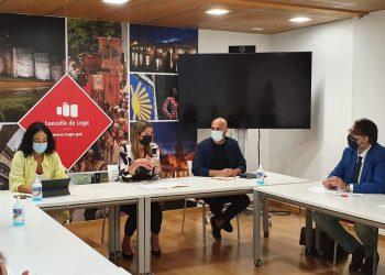 La  reunión integró a diferentes colectivos de la economía lucense.