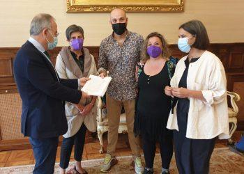 """Más de 1.200 firmas para hacer que el barrio santiagués de San Pedro sea """"LGBTIQ+ friendly""""   CONCELLO DE SANTIAGO"""