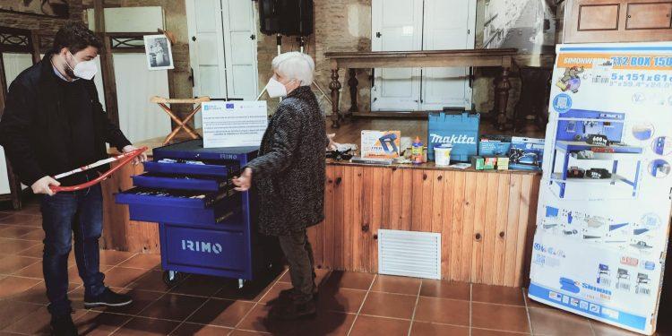 Pavón junto a la alcaldesa de Vilalba, Elba Veleiro, en una imagen de archivo.
