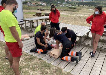 Voluntarios de Protección Civil imparten un curso a los socorristas de Ferrol   CONCELLO DE FERROL