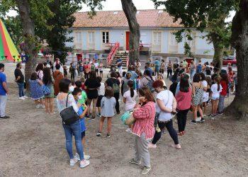Un grupo de personas disfruta del campamento de verano en Brión   CONCELLO DE BRIÓN