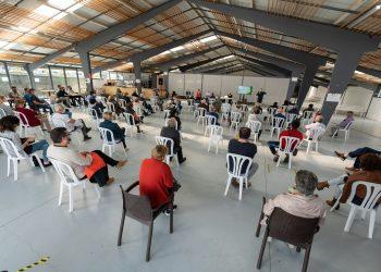 Imagen de una charla informativa sobre parques eólicos en Moeche | CONCELLO DE MOECHE