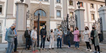 Miembros del BNG de Fene y de Ferrolterra arroparon a la exconcejala durante su juicio en la Audiencia
