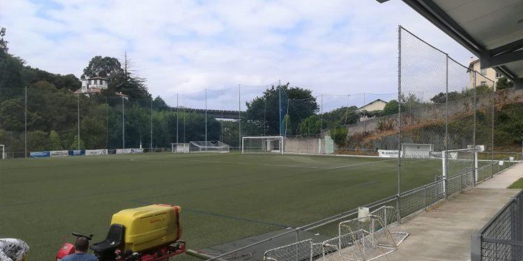 Renovación del campo de fútbol.   CONCELLO DE PONTEDEUME