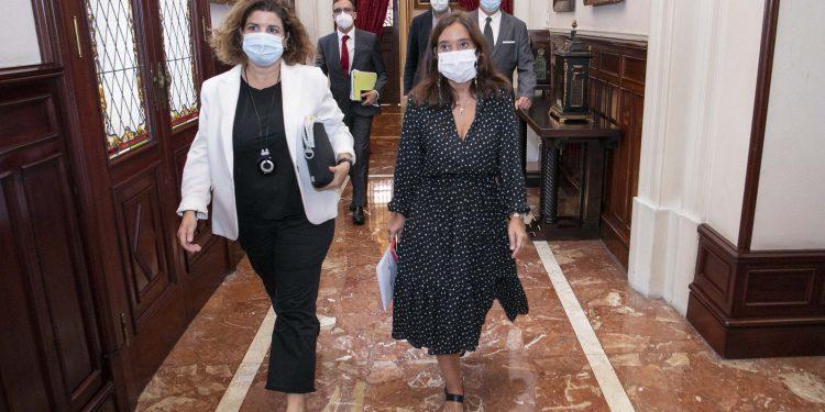 La alcaldesa, Inés Rey, y la subdelegada del Gobierno, María Rivas, presiden la junta local de seguridad | CONCELLO DA CORUÑA