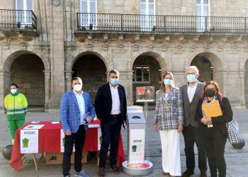 Lara Méndez participa en la campaña de recogida de gafas usadas | CONCELLO DE LUGO