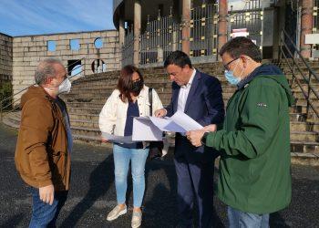 Valentín González Formoso visita el cementerio de los Alimpadoiros | CONCELLO DAS PONTES