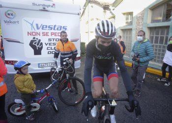 El trabajador de Vestas y exciclista profesional Alejandro Paleo, antes de partir en bici en dirección a Dinamarca | EP